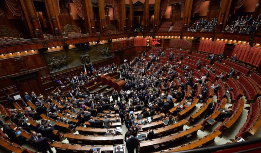 Tra vitalizi e pensioni parlamentari lo studio nell for Vitalizi dei parlamentari