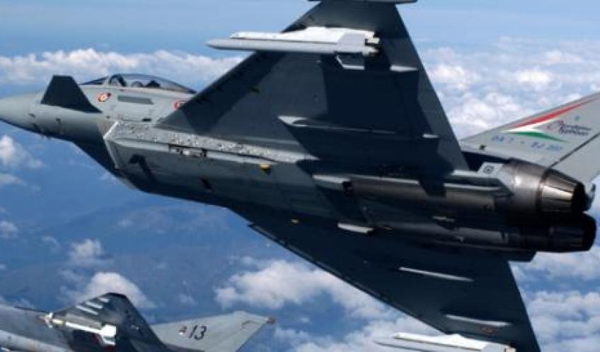 Quanto Costa Un Aereo Da Caccia : Paura in lombardia per intervento dei caccia su aereo dell