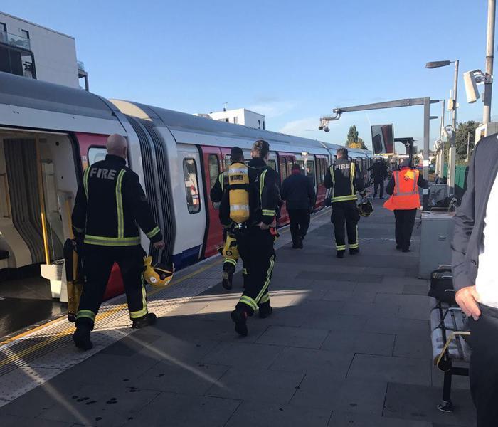 Una testimone italiana ha dichiarato di aver a malapena sentito l'esplosione e di essere stata poi calpestata dalla calca