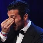Buffon si emoziona durante la premiazione