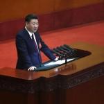 Il presidente Xi Jinping tiene il suo discorso alla platea, probabilmente sarà ancora lui il segretario del partito per i prossimi 5 anni