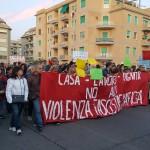 La testa del corteo sfilato per le strade del centro di Ostia in risposta all'aggressione di Roberto Spada al giornalista Rai Daniele Piervincenzi