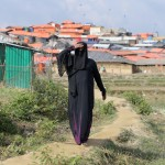 Una donna Rohingya di fede musulmana