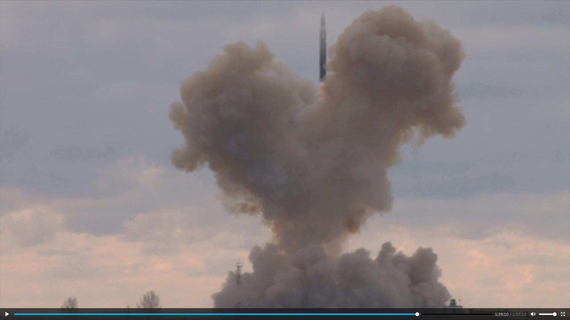 Un missile supersonico decolla dal suolo russo