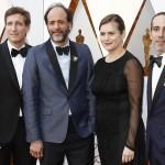 Luca Guadagnino immortalato prima della cerimonia degli Oscar