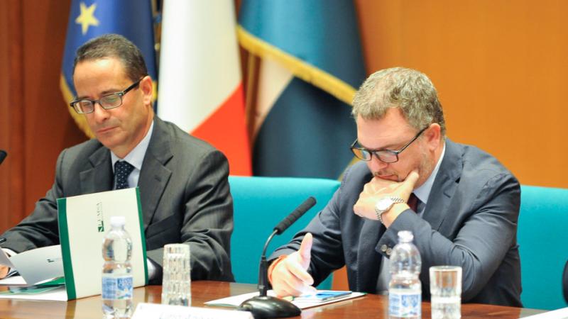 Luigi Contu, direttore dell'Agenzia ANSA e Lirio Abbate, vicedirettore dell'Espresso, durante la tavola rotonda del 16 ottobre 2017