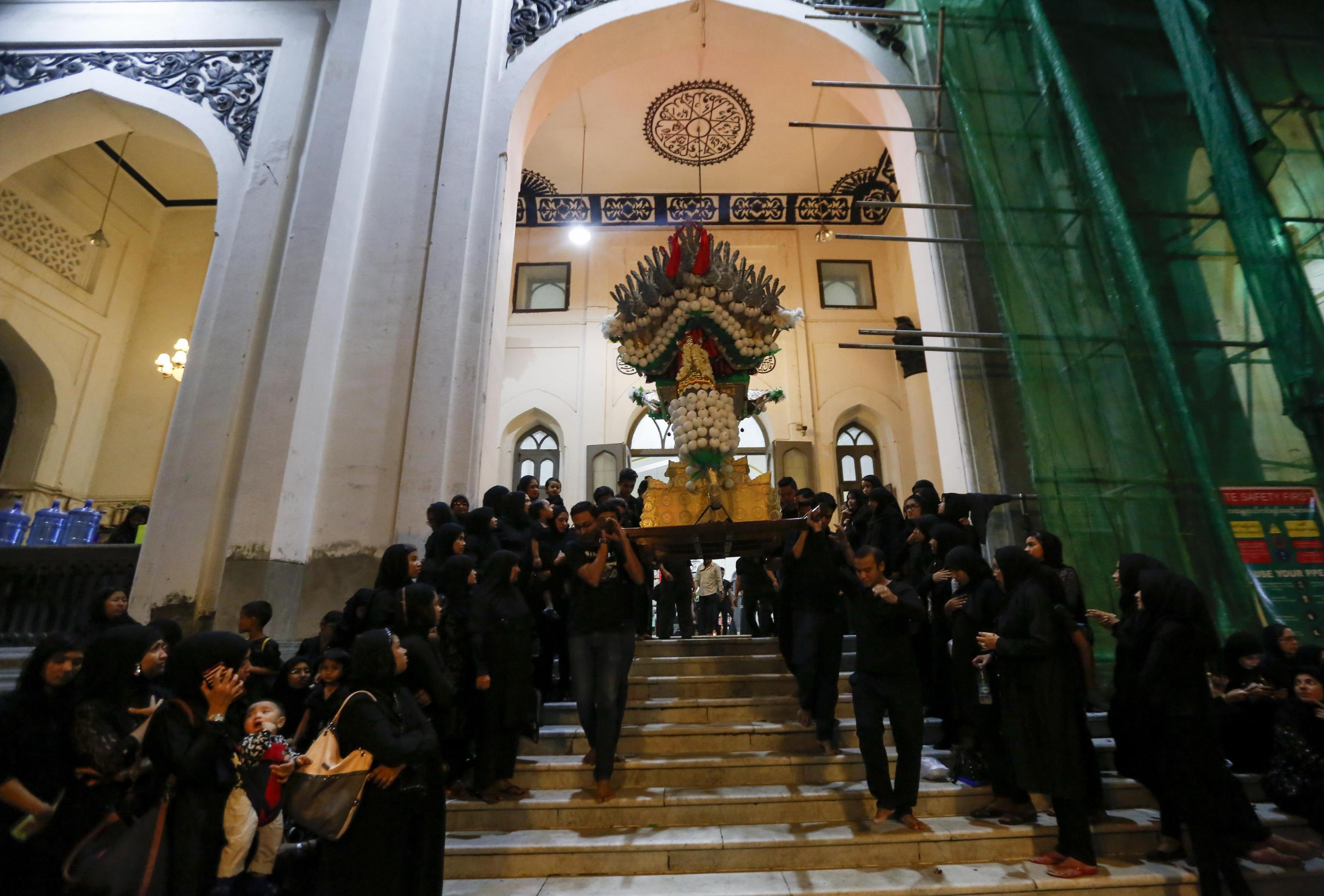 La processione dei musulmani sciiti a Yangon, in Myanmar