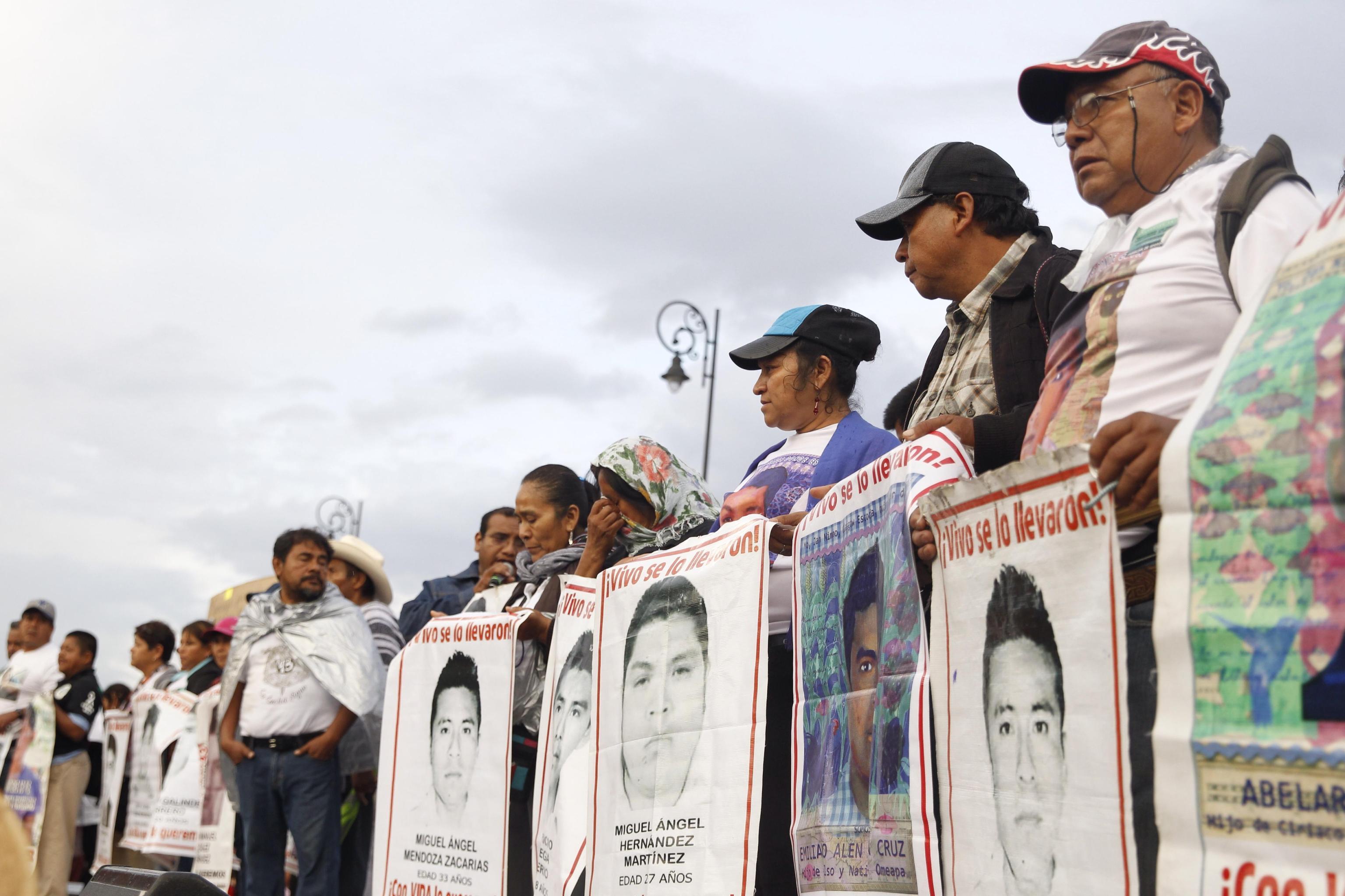 Corteo di protesta per chiedere verità sulla scomparsa dei ragazzi