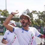 Angelo Corsaro esulta dopo una vittoria, non manca la presenza italiana tra gli atleti