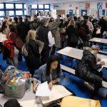 La fila in un seggio di New York: il dato sull'affluenza in tutti gli Stati Uniti è il più alto degli ultimi decenni