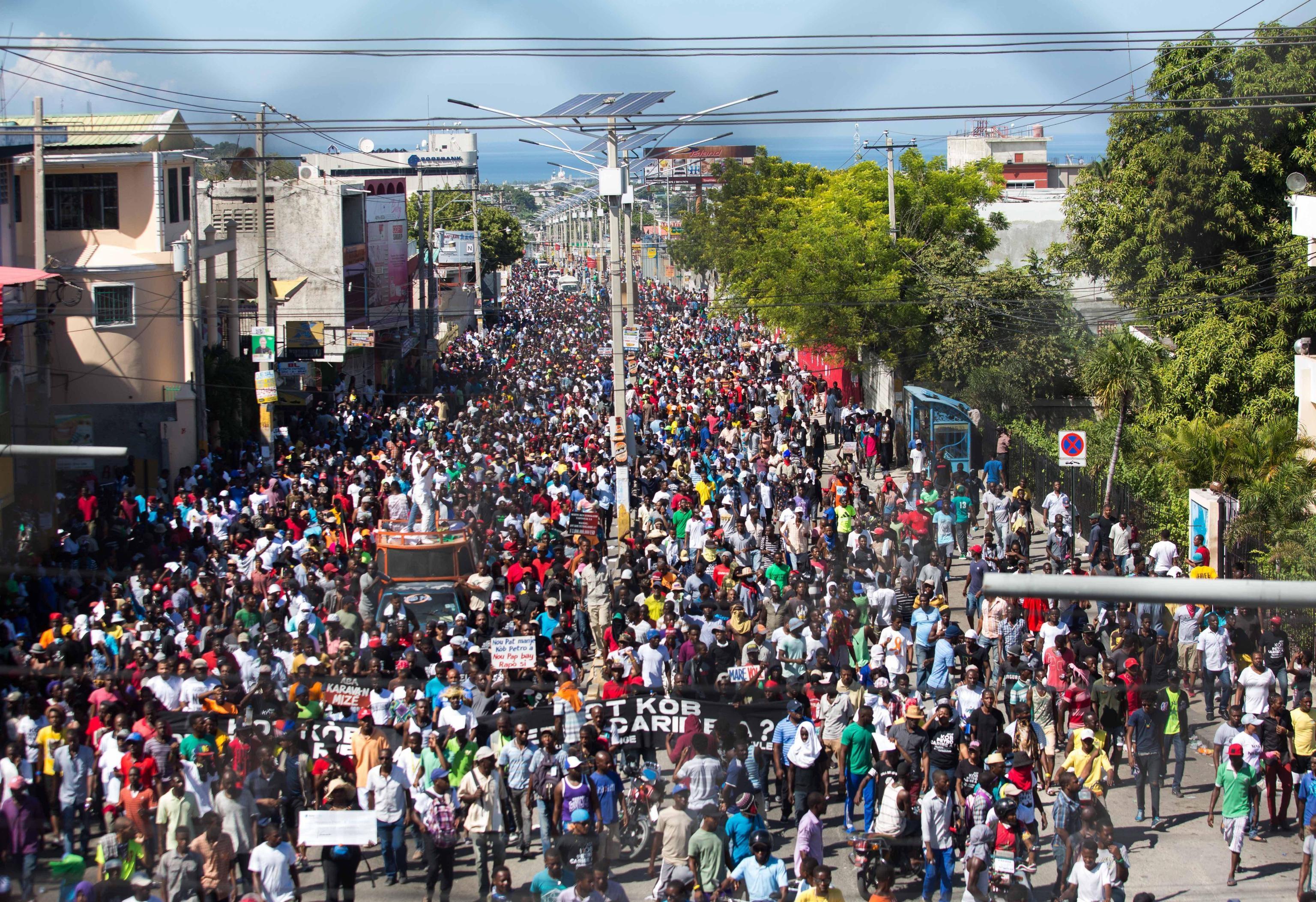 Migliaia di haitiani in strada per manifestare