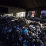 Le condizioni dell'interno dell'ex fabbrica di penicillina sgomberata oggi a Roma