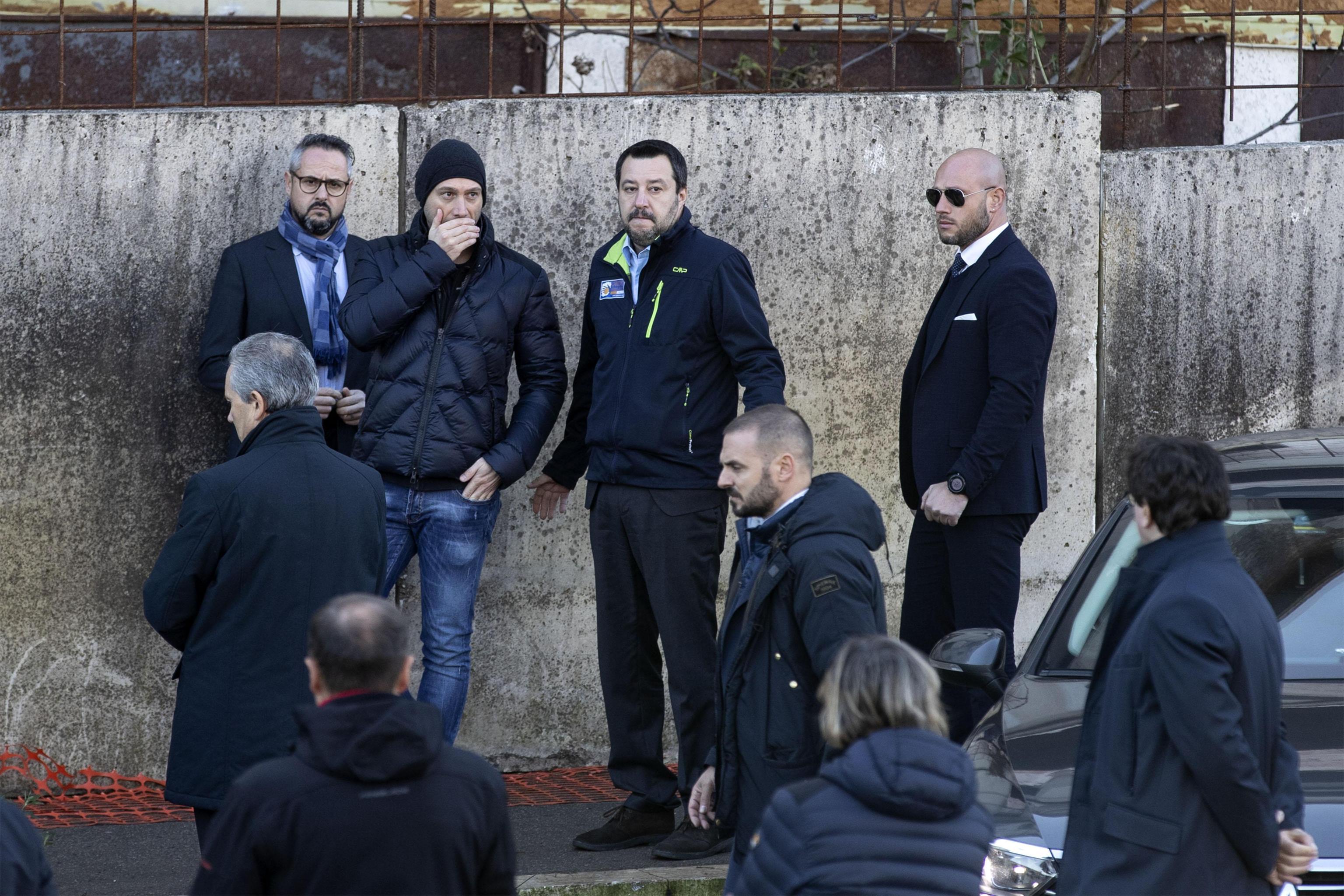 Oggi, nello sgombero dell'ex fabbrica di penicillina a Roma, è intervenuto anche il vicepremier e ministro dell'interno Matteo Salvini