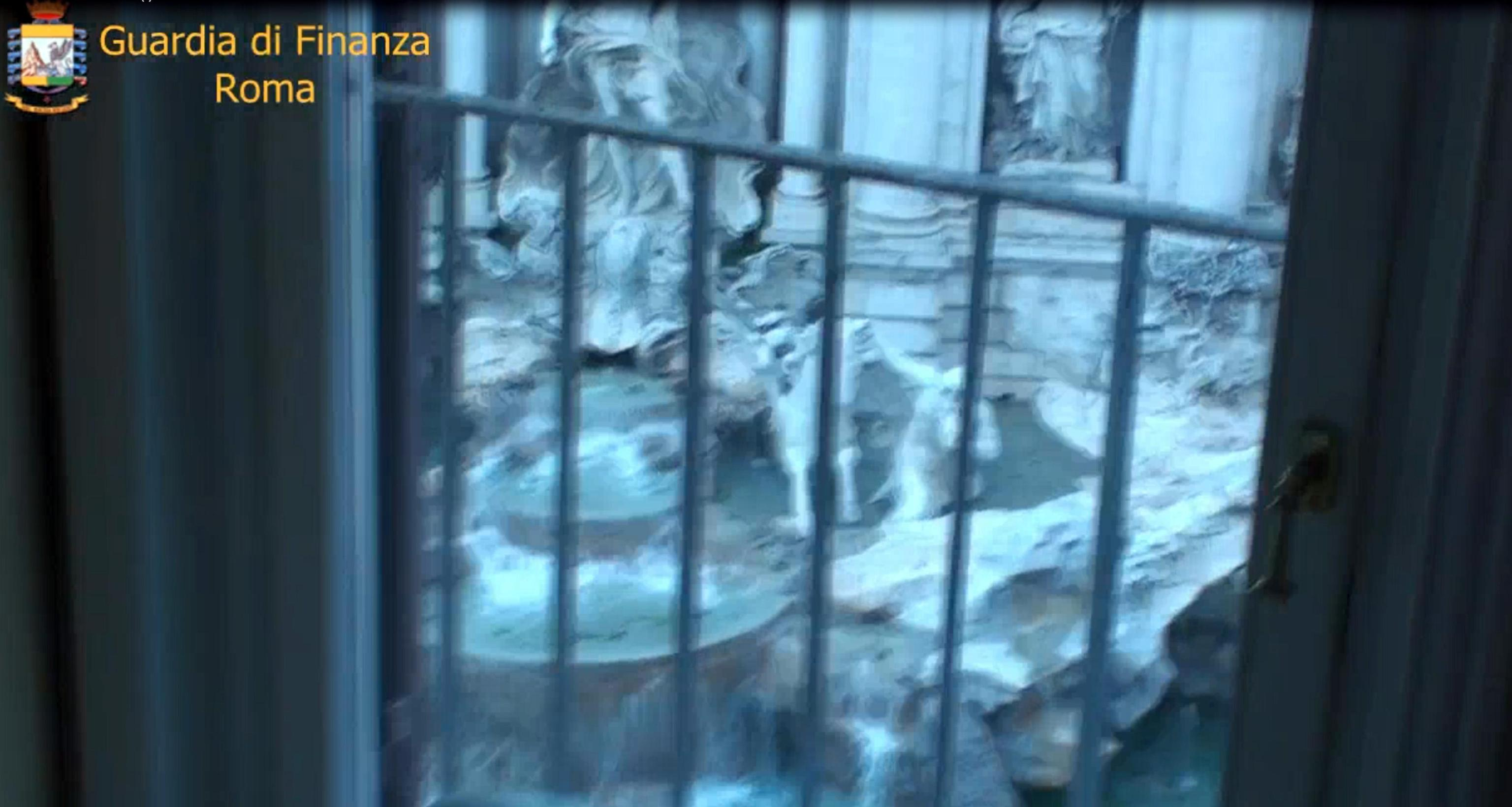 Tra i beni, anche un attico con vista sulla Fontana di Trevi