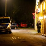 La polizia tedesca appostata fuori dal ristorante italiano