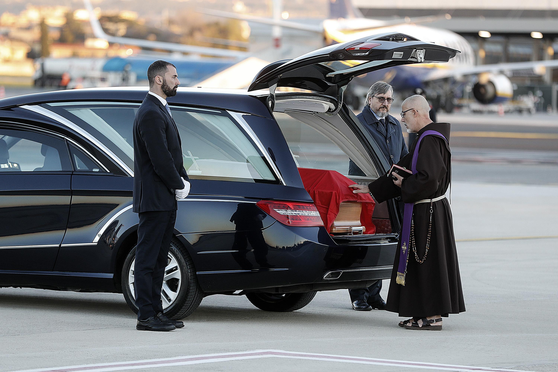 Il cappellano militare ha benedetto la bara del giornalista ucciso nell'attentato di Strasburgo