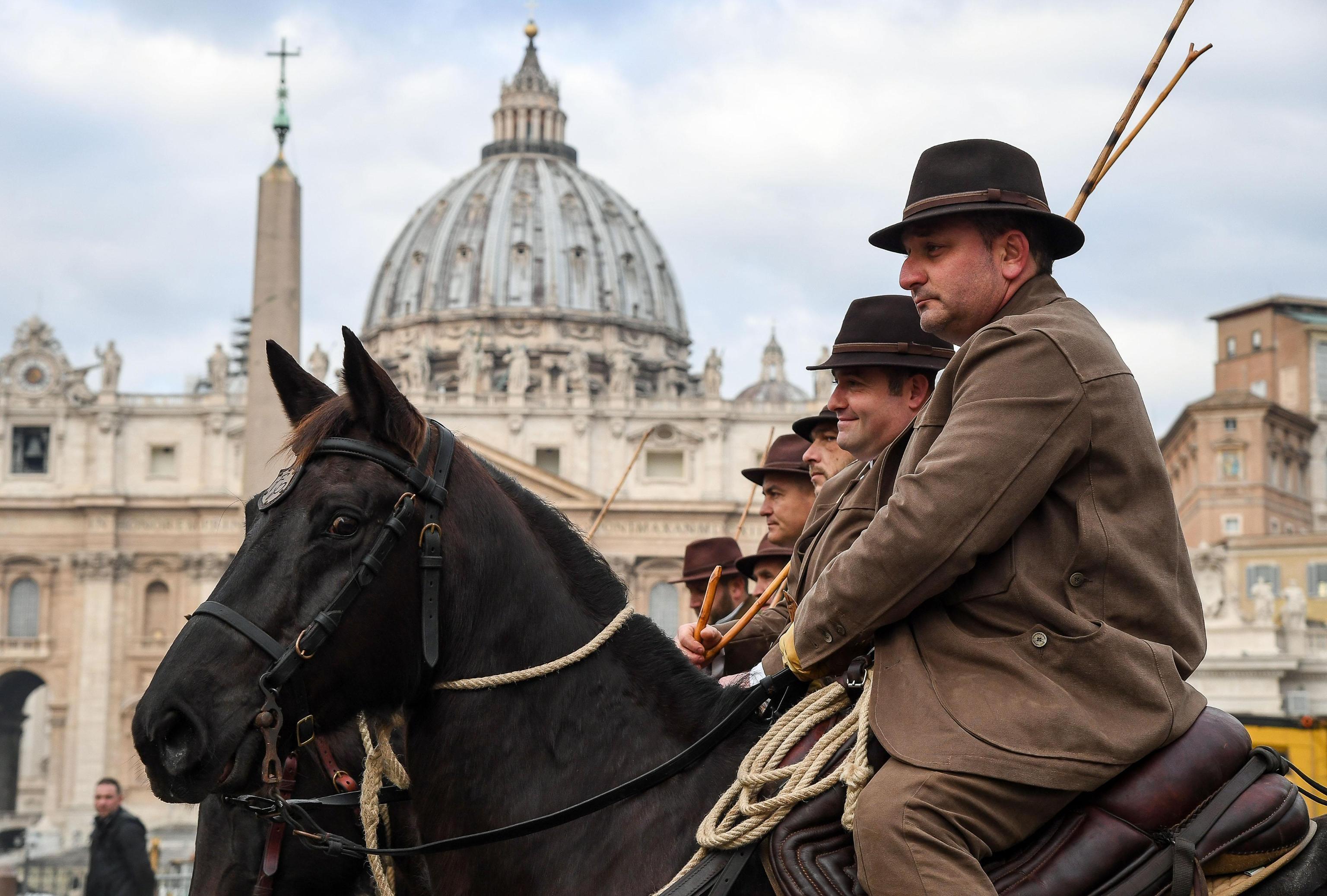 I butteri, pastori a cavallo, in piazza San Pietro