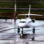 Il decollo dall'aeroporto di Viru Viru, a Santa Cruz, in Bolivia, dell'aereo che ha portato Battisti in Italia.