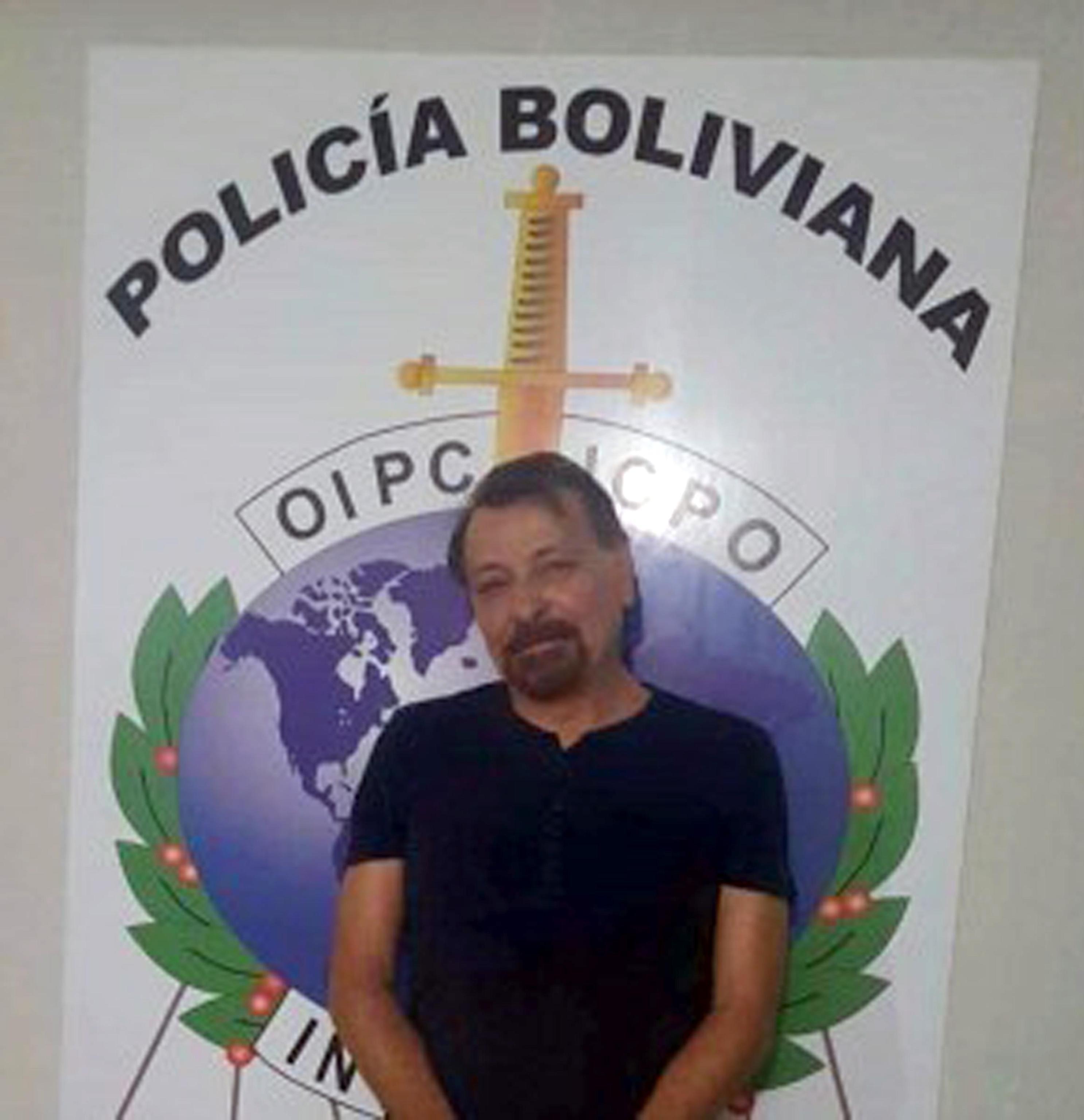 Cesare Battisti nella foto del suo arresto.