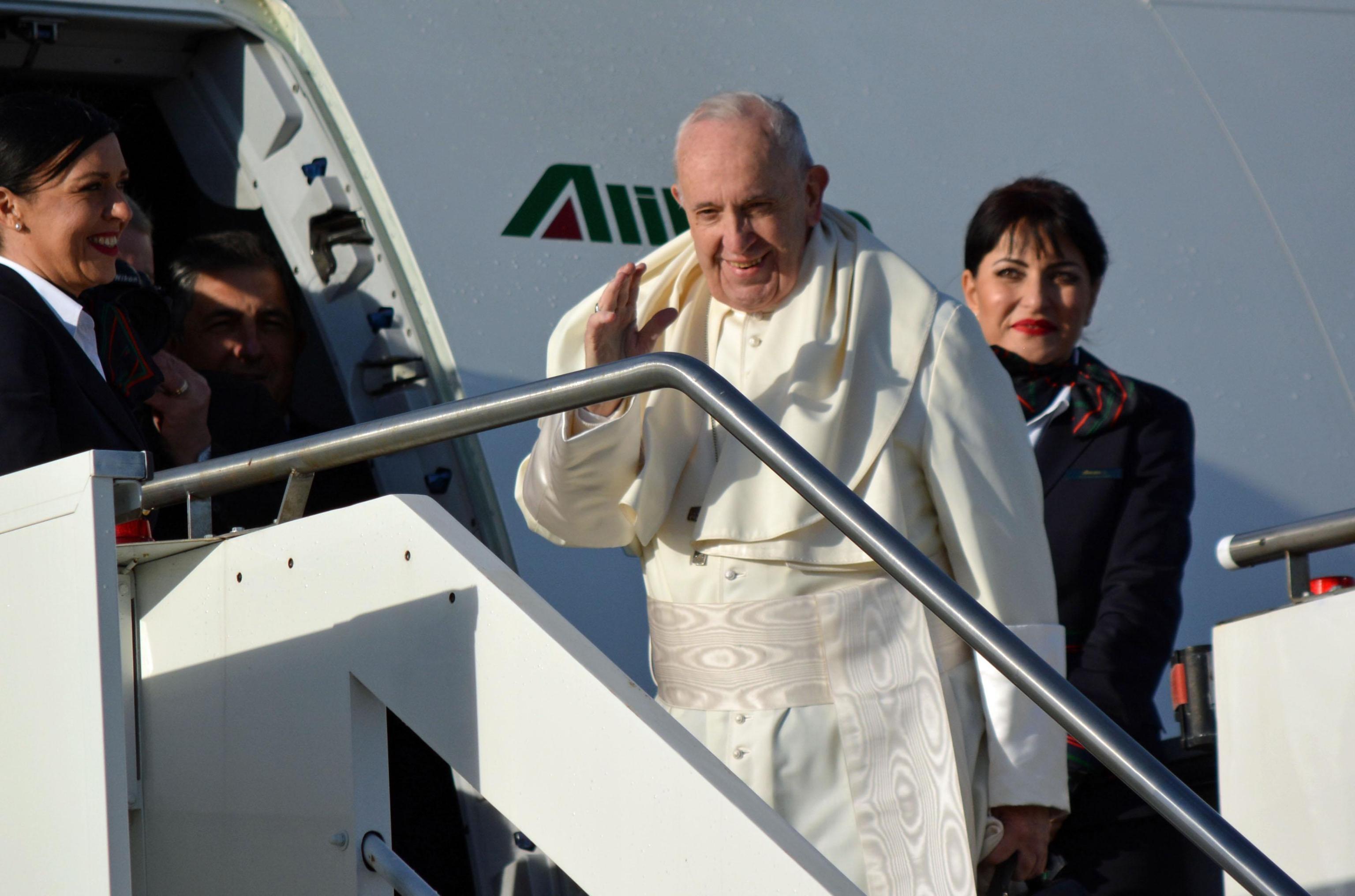 Il Santo Padre atterrerà questa sera a Panama, dove è atteso da decine di migliaia di persone, provenienti da ogni parte del pianeta