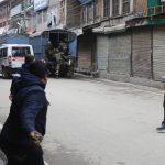 Secondo notizie locali, la NIA avrebbe condotto ricerche sui separatisti nella valle del Kashmir, tra cui il presidente Mirwaiz Umer Farooq e lo stesso Mohammad Yasin Malik in un caso di finanziamento illecito.