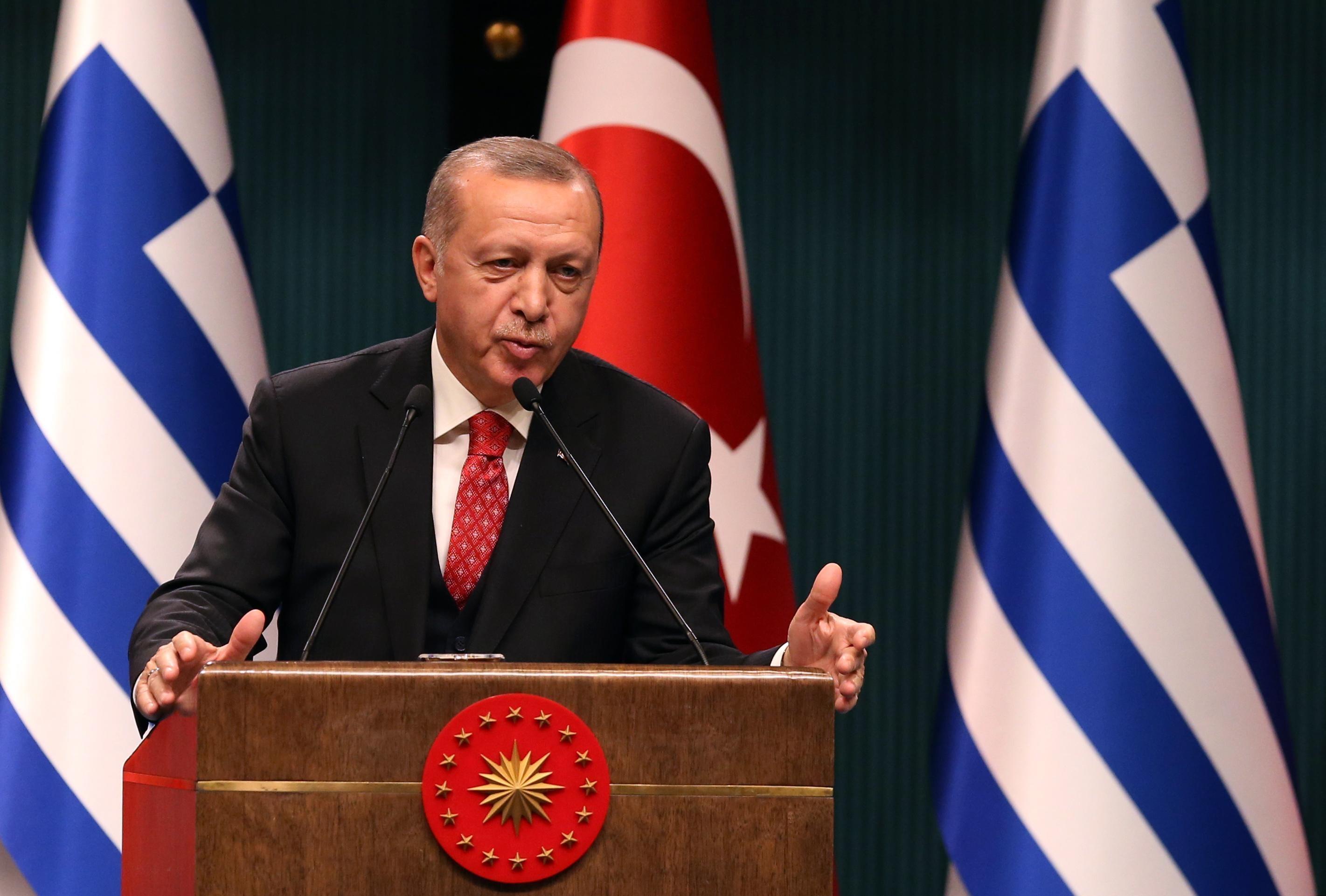 """Erdogan: """"La Grecia non si trasformi in un rifugio per i golpisti"""""""
