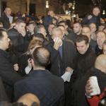 Anche i politici presenti e lo stesso leader dell'opposizione hanno accusato i sintomi dei lacrimogeni