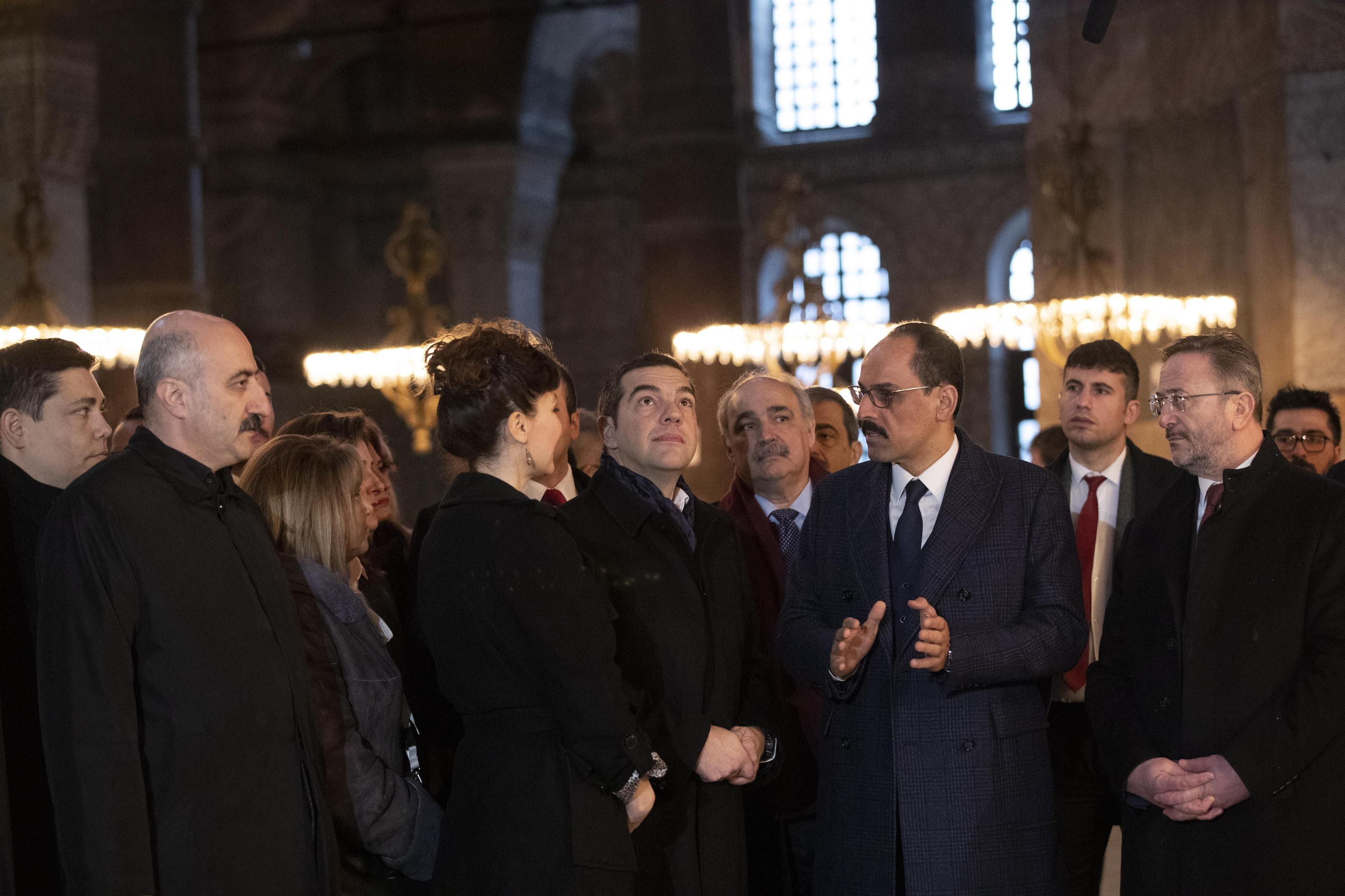 Il primo ministro greco in visita al museo di Santa Sofia di Istanbul