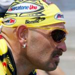 Marco Pantani con l'iconica bandana da Pirata
