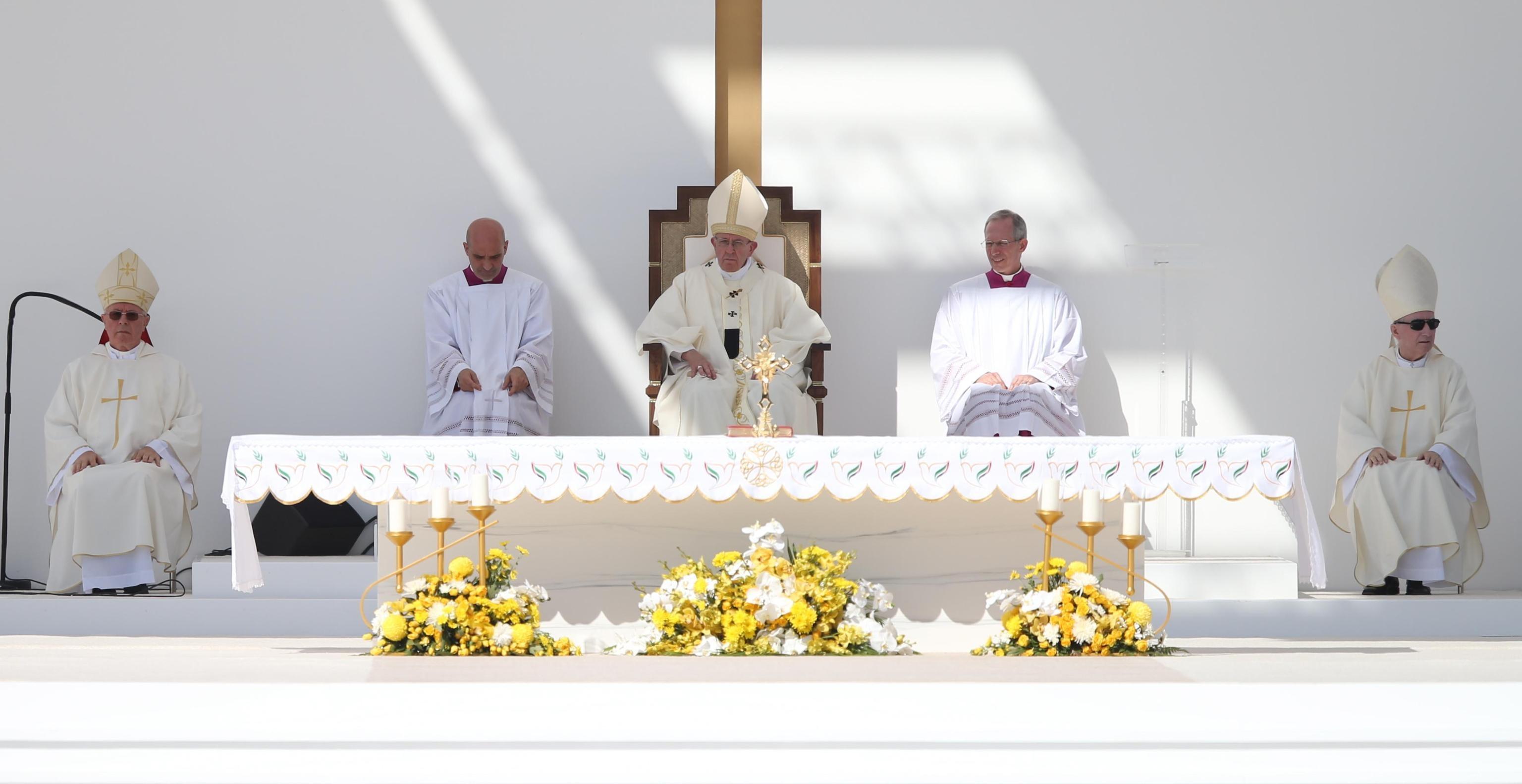 Bergoglio è il primo Papa a visitare gli Emirati Arabi Uniti