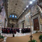Il summit sulla protezione dei minori voluto da Papa Francesco inizia con un suggestivo momento di preghiera nella Cappella Sistina