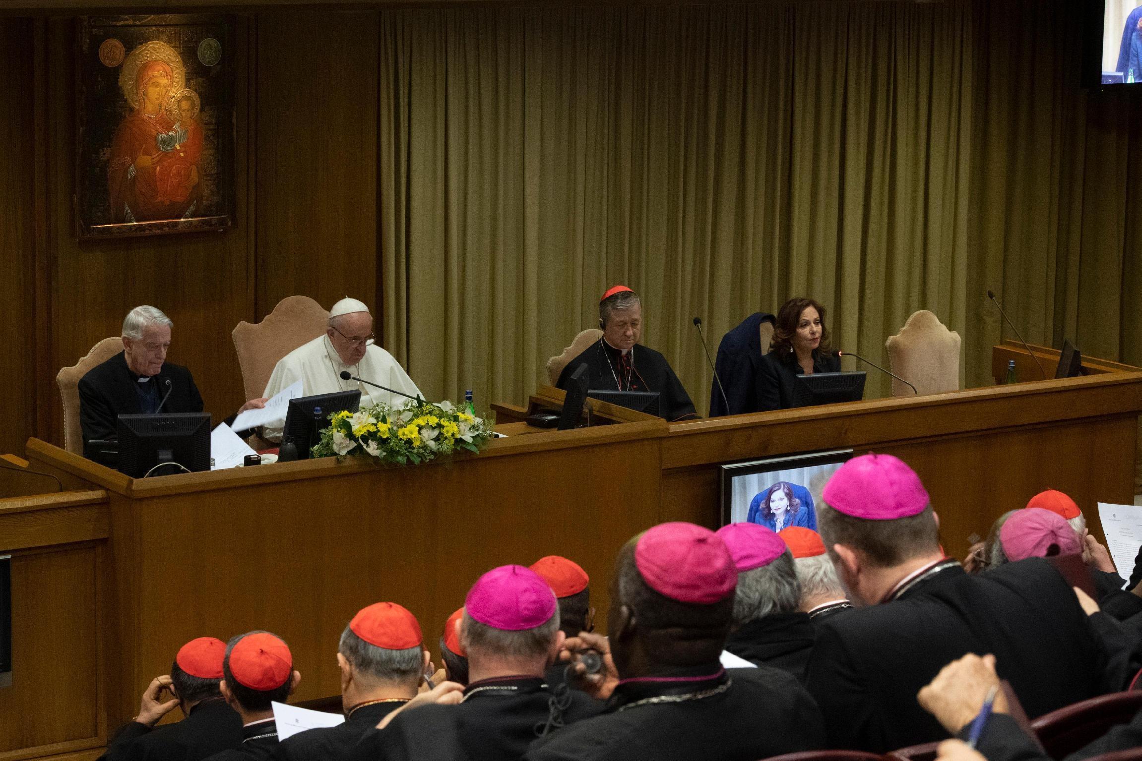 Al via il lavoro dei 190 vescovi nell'ultima giornata del summit per far luce sullo scandalo degli abusi nella Chiesa