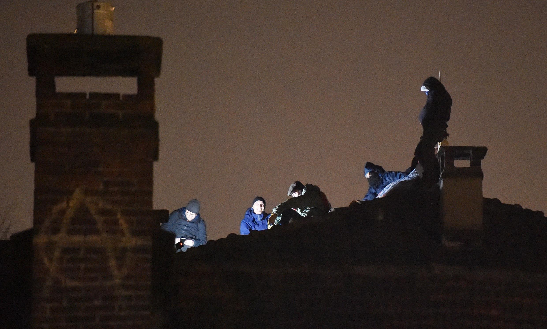 Il blitz delle forze dell'ordine per procedere allo sgombero è avvenuto all'alba