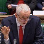 """""""Il governo è morto, è tempo di convocare elezioni politiche"""", ha tuonato il leader labour Jeremy Corbin"""