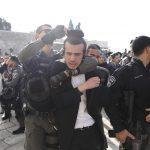 """Un'immagine della protesta dei membri del gruppo femminista """"Women of the Wall"""" contro gli ebrei ultra ortodossi"""