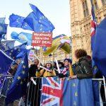 Folla di europeisti risponde agli indipendentisti. Per loro il miglior accordo è restare nell'Unione
