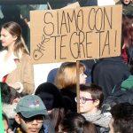 La protesta arriva anche in Italia, a Milano, dove gli studenti hanno espresso vicinanza agli ideali di Greta
