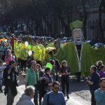 Budapest onora il giorno di San Patrizio con cortei, musica e maschere