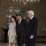 Mattarella mostra i saloni del Quirinale a Xi Jinping e alla consorte Peng Liyuan