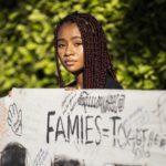 La comunità afroamericana partecipa alla manifestazione contro il presidente americano