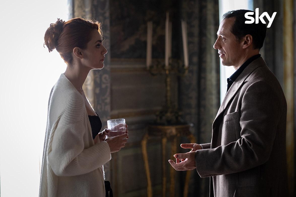 Leonardo Notte parla a Veronica Castello, per una scena che ha tenuto col fiato sospeso gli spettatrori