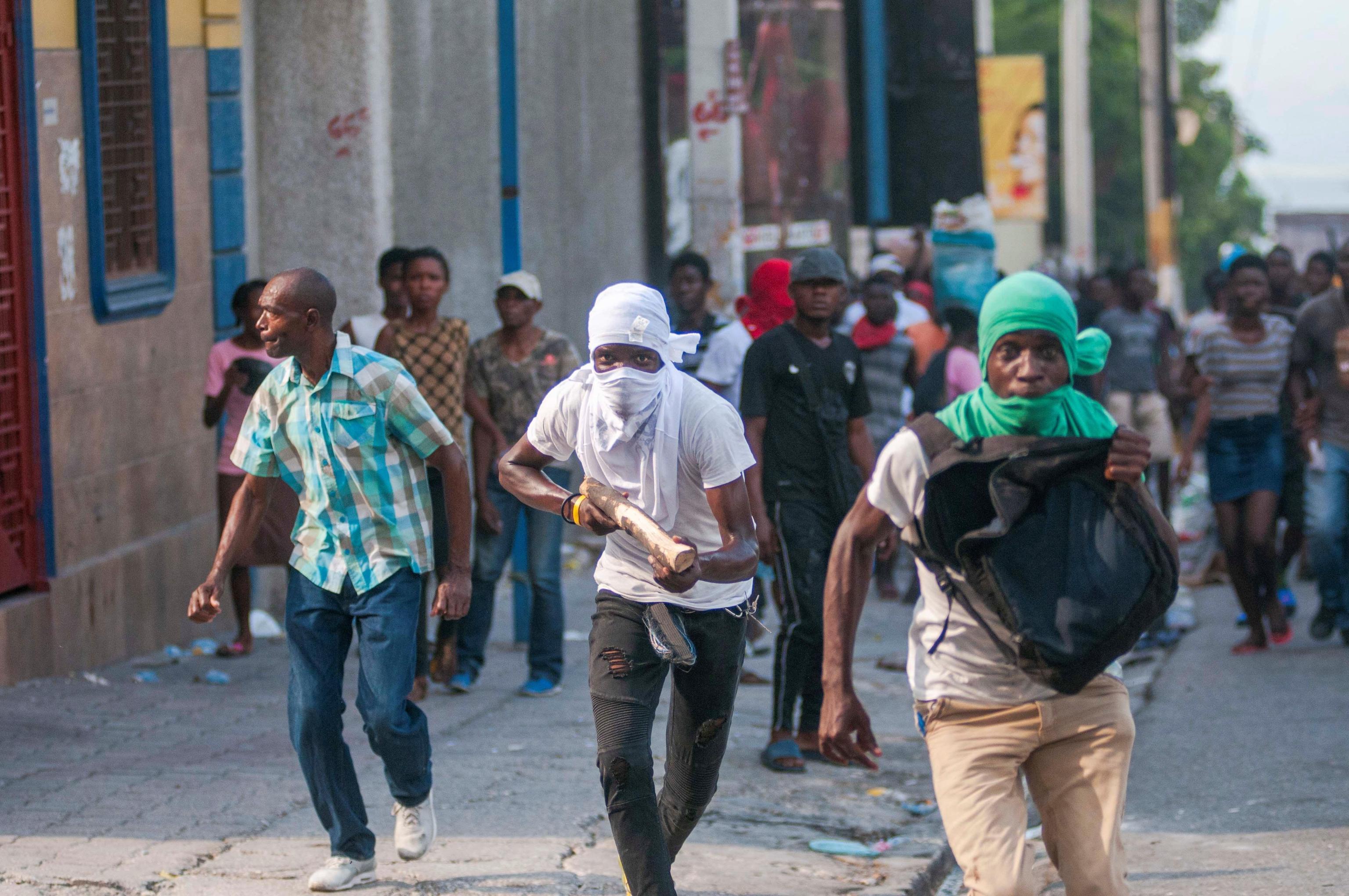 Manifestanti in azione ad Haiti chiedono le dimissioni del Presidente Jovenel Moise