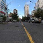 Strada deserta a La Paz, in Bolivia, dopo i disordini, le dimissioni di Evo Morales e l'acquisizione del potere da parte della polizia