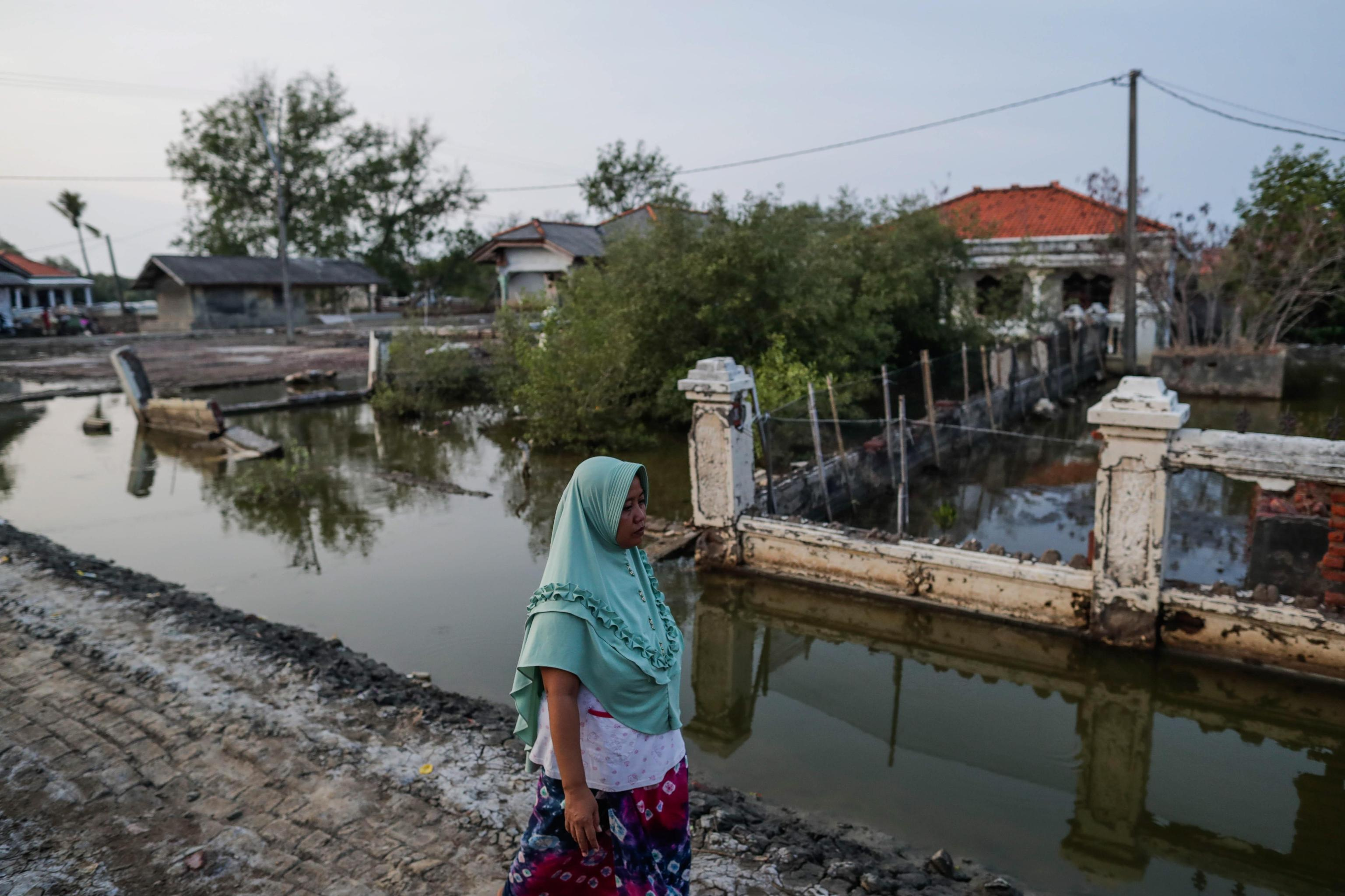 Sono numerosi i villaggi sulla costa indonesiana inondati