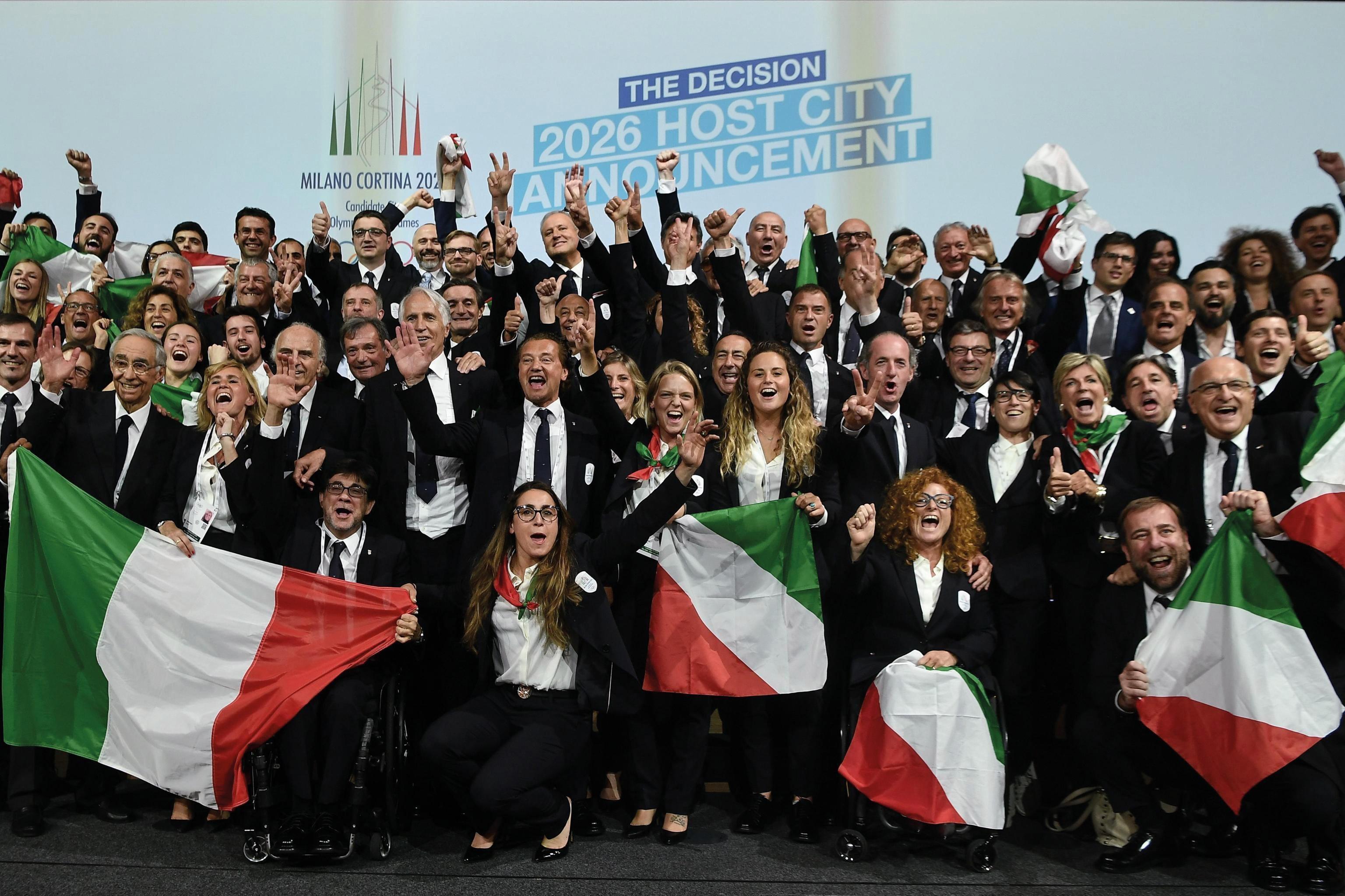 Milano-Cortina 2026, 24 giugno: la delegazione italiana esulta per l'assegnazione dei giochi olimpici invernali del 2026 alle città di Milano e Cortina