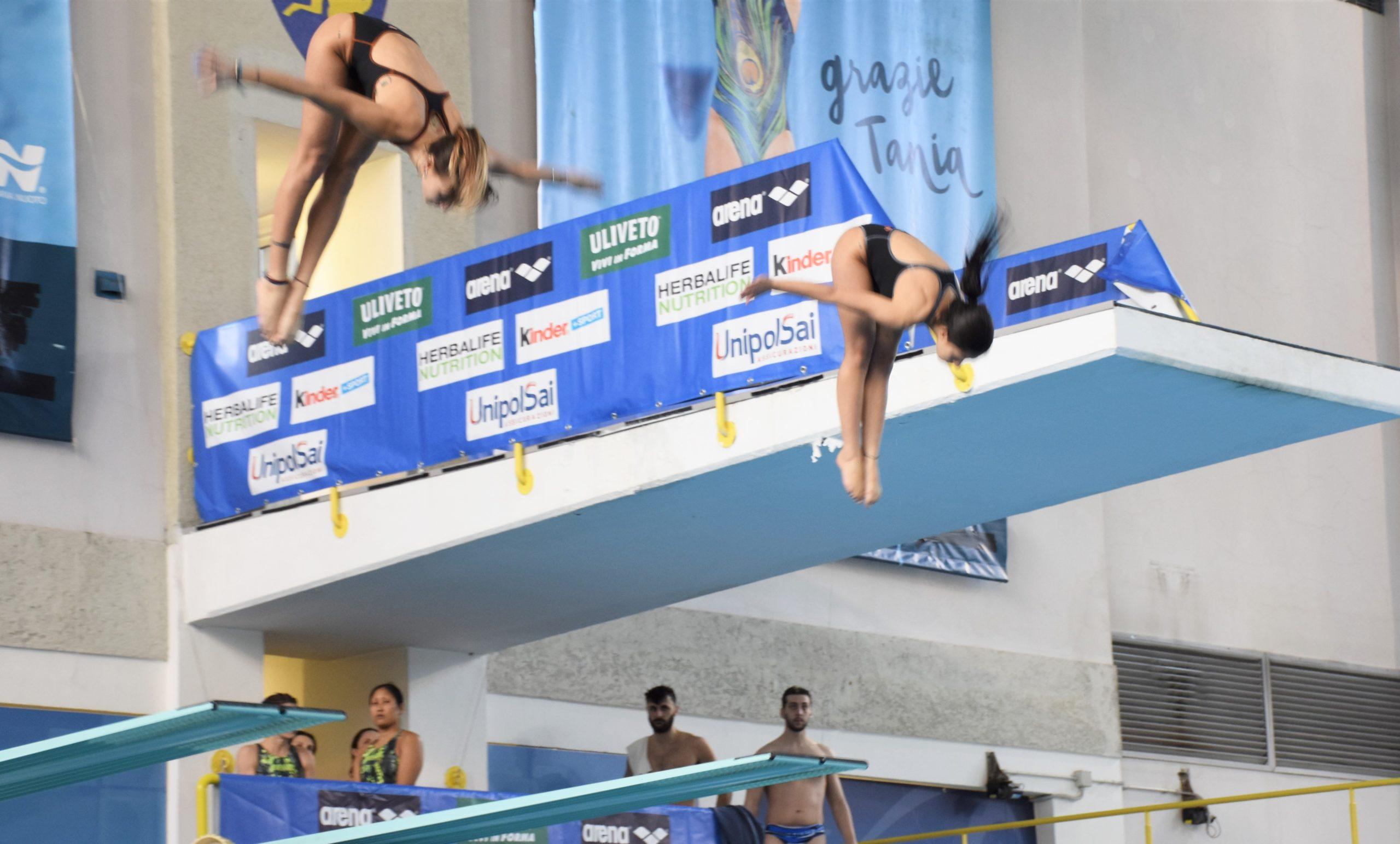 Le atlete Valeria Valente e Arianna Eleuteri (Di Biasi) nella gara sincro da tre metri