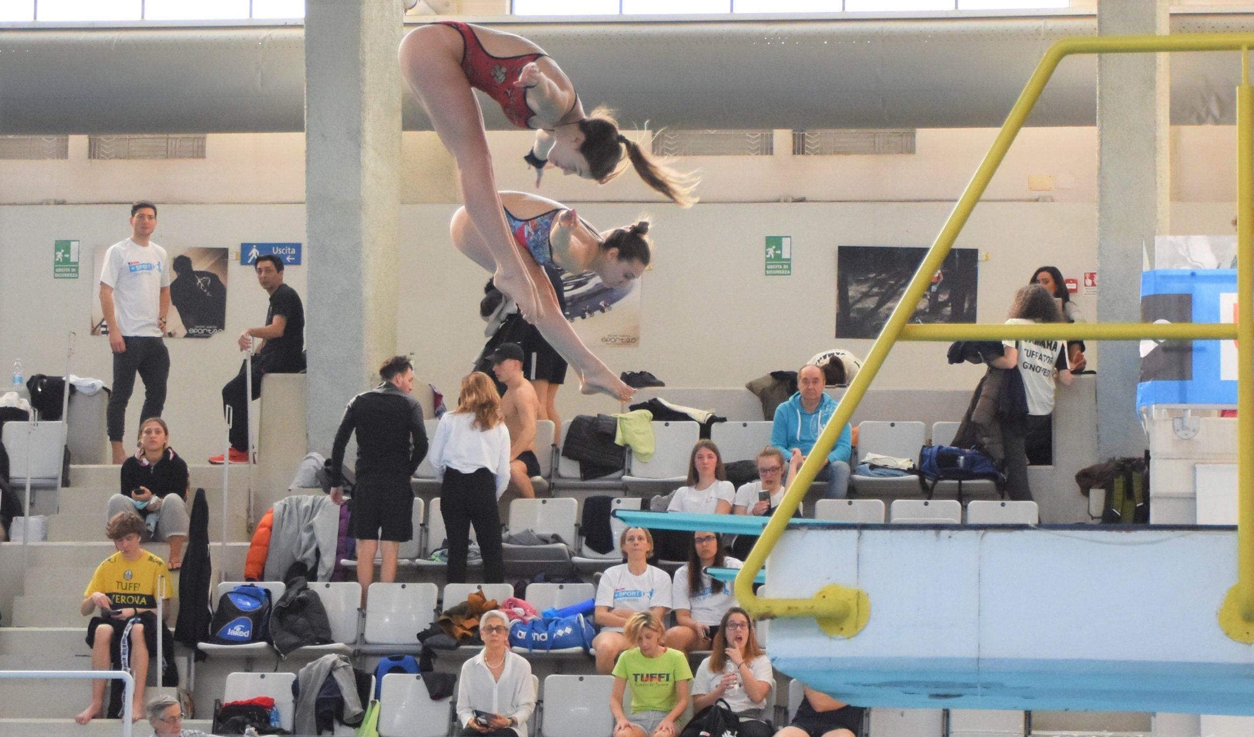 Le atlete Gaia Amato e Carolina Sbarigia (MR Sport) nella gara sincro da tre metri