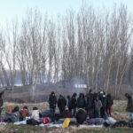 Una pausa per i rifugiati siriani, che hanno iniziato a dirigersi vero il confine greco per chiedere asilo all'Unione europea.
