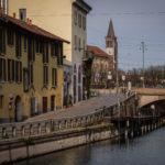 A Milano, il Naviglio Grande è deserto dopo il blocco delle attività produttive non essenziali del Paese