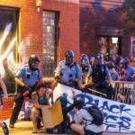 Un momento piuttosto violento della protesta